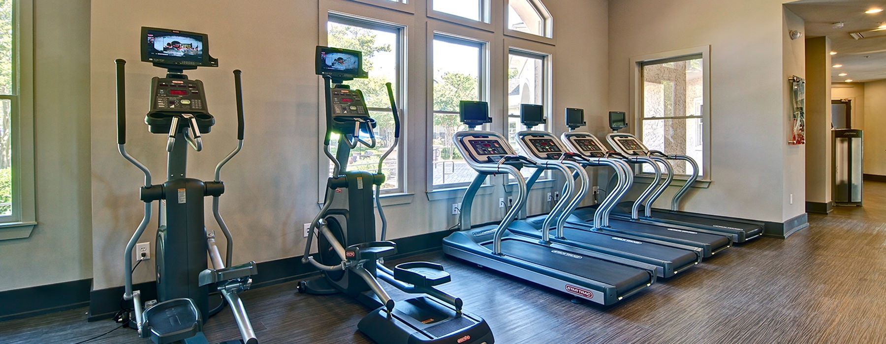 Ample treadmills with up-to-date equipment